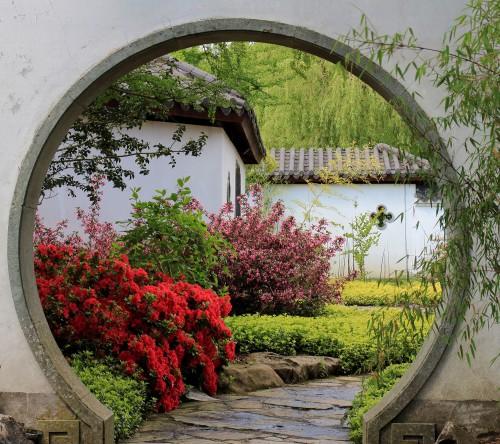 doorgang_in_muur.locatie-chinese-tuin-het-verborgen-rijk-van-ming-in-de-hortus-haren-groningen-b-778a2351a0a6bf5dd79c1af4b9c2465a
